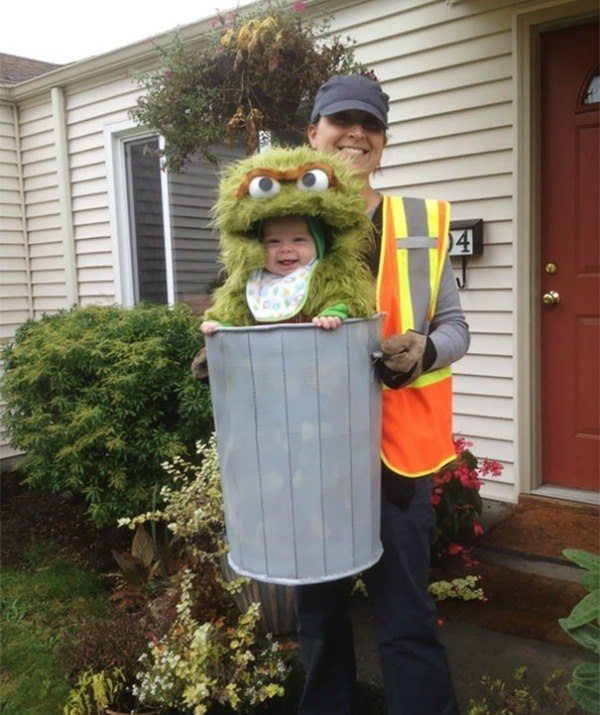 1-family-costumes-that-makeyou-wonder-why
