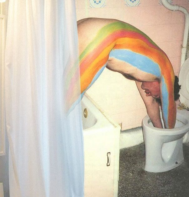 1-weird-photos-showing-how-crazy-world-really-is