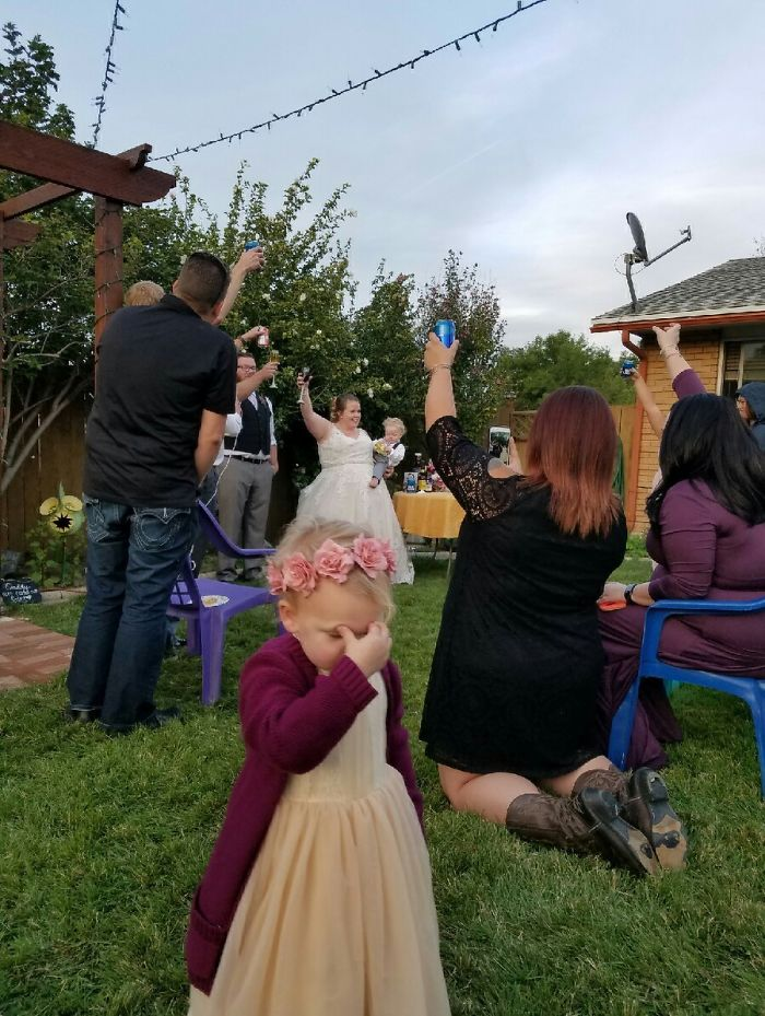 kids-at-wedding-1